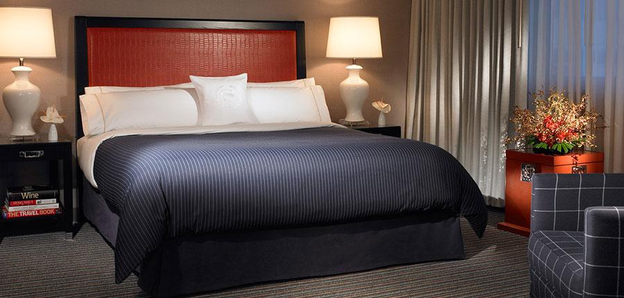 Sheraton Gateway LAX bed